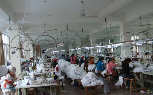 xưởng sản xuất áo thun trơn